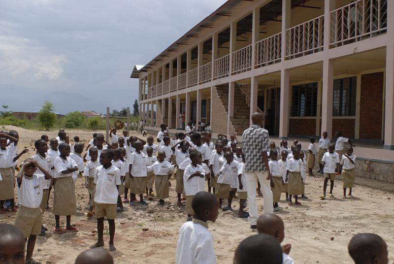 Table ronde sur le thème des écoles et lycées en Afrique subsaharienne